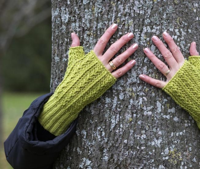hot little hands crocheted fingerless mittens