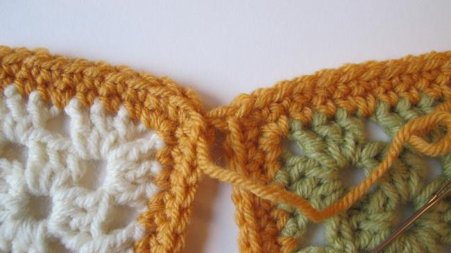 crochet motif seam 4