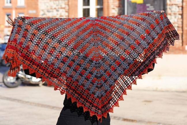 crochet shawl Colour beams