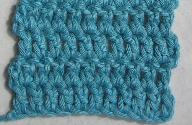 Annette petavy design newsletter july 2009 neat edges the this way every stitch in the row is a real stitch the gap is eliminatedis method also makes life much easier for the beginner and even for the ccuart Images