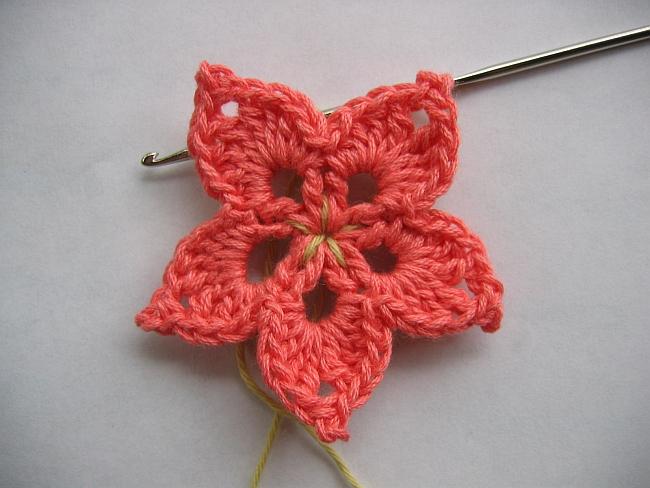 Annette Petavy Design – Newsletter May 2010 – A crocheted flower ...