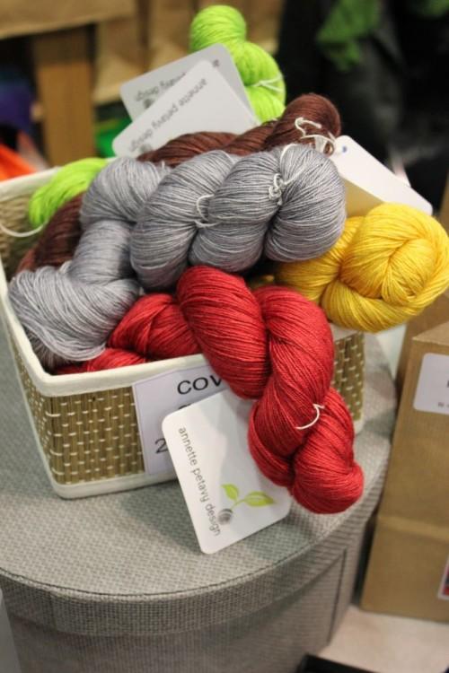Echeveaux teints main en laine et soie / Handdyed skeins in wool and silk