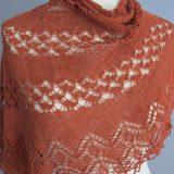 Exuberance, une création de Kirsten Kapur, tricotée en laine et soie de chez Annette Petavy Design.