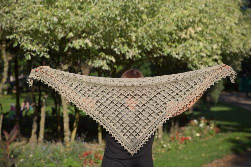 Foulard de soie, créé par EclatDuSoleil, disponible chez Annette Petavy Design