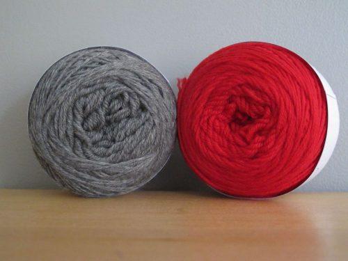 gris souris rouge vif
