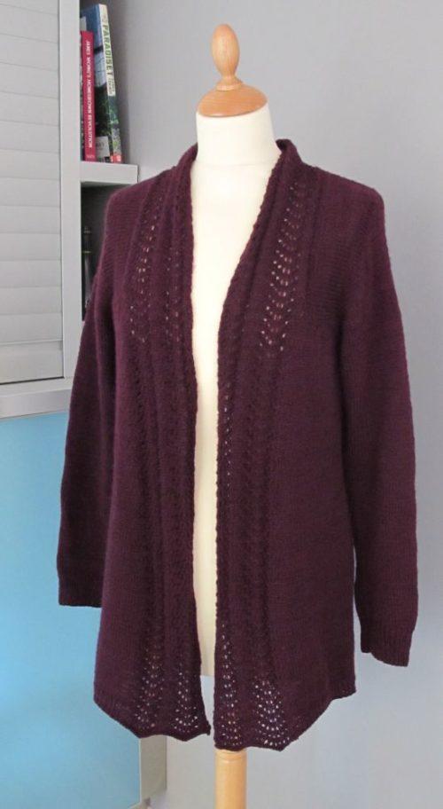 Old Town, modèle Carol Sunday, tricoté en mérinos fin d'Annette Petavy Design