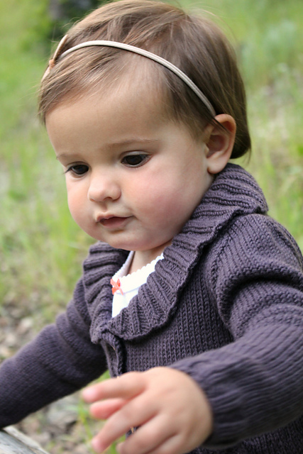 Veste Petits bourgeons du livre Baby Botanicals d'Alana Dakos - disponible chez Annette Petavy Design