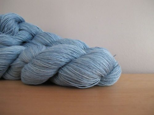 Beth Chatto, coloris camassia blue - chez Annette Petavy Design
